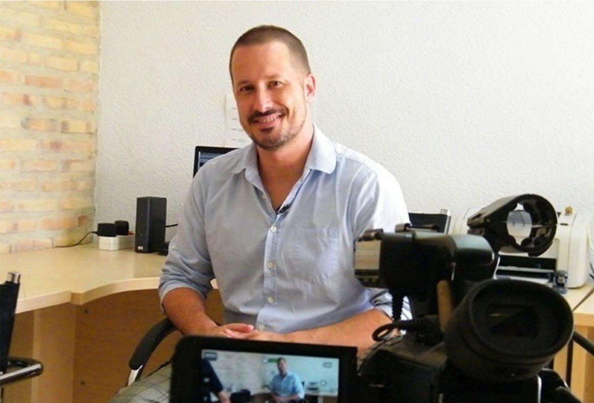 Entrevista a Alex Navarro de Vivirdelared.com